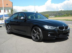 BMW 330d mit Aversus Mandy in 20 Zoll