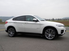 BMW X6 mit AAA Wheels in 21 Zoll