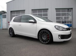 VW Golf VI mit OZ Superturismo LM in 19 Zoll